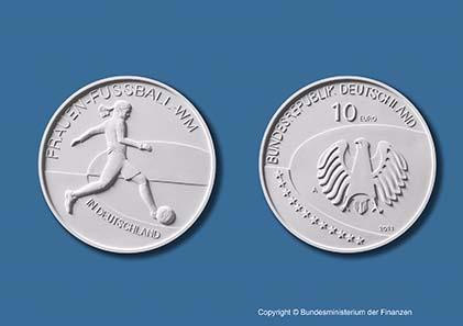 Deutsche 10 Euro Gedenkmünze Frauenfussball Wm In Deutschland